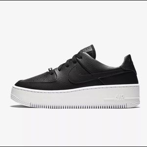 Nike Air Force 1 Sage Lows in Black
